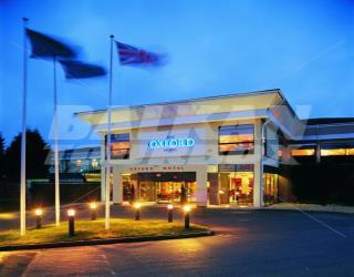 Heathrow To Barcelo Oxford Hotel Taxi